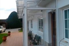 cierre-portal-aluminio-casa-planta-baja